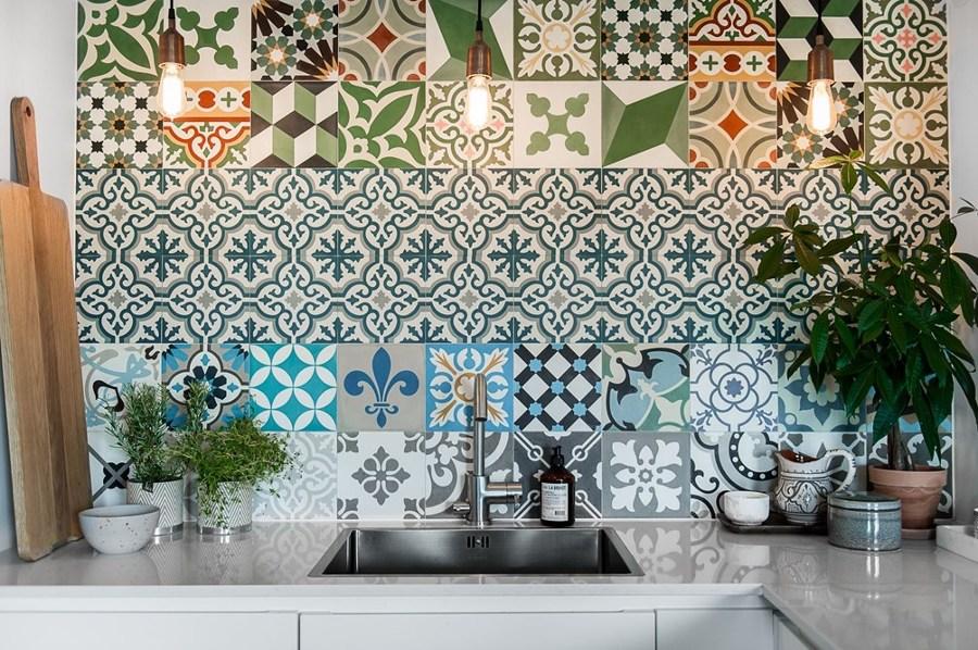 10 rivestimenti per la parete antischizzo della cucina - Galss ...